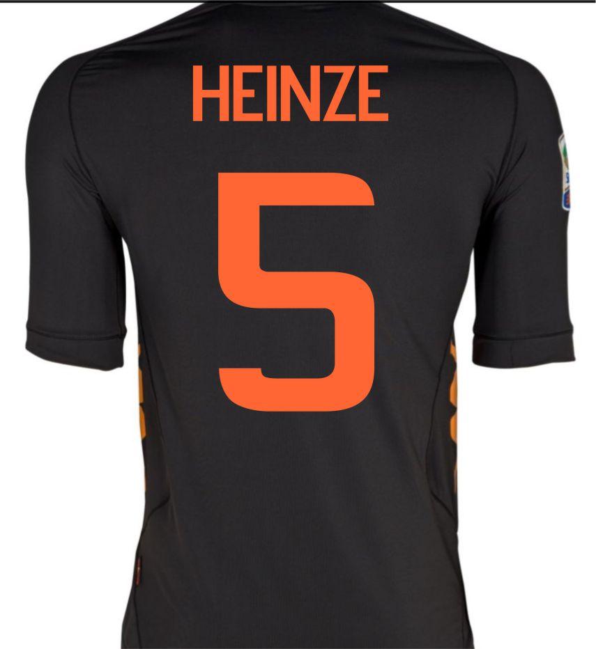 2011-12 Roma Kappa 3rd Shirt (Heinze 5)