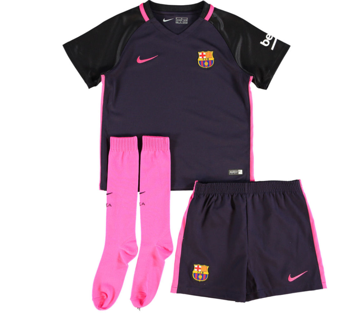 We stock youth soccer jerseys, shorts, socks and training kit for all ages starting from baby and infant kits, through little boys mini kits and up to ages We ship worldwide, with next day deliver available within UK and most of Europe.